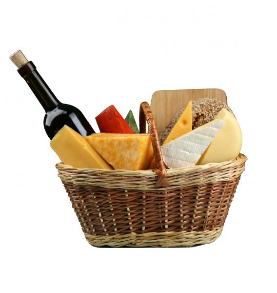 "Basket ""Cheese delight"". basket-cheese-delight-L2c.jpg"