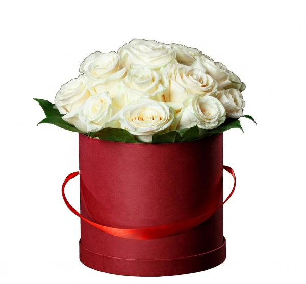 Box of white roses. box-of-white-roses-892.jpg