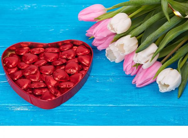 Coeurs au chocolat et tulipes. chocolate-hearts-and-tulips-X8t.jpg