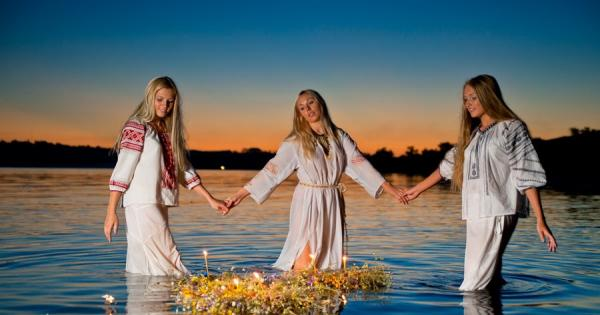 Day of Ivana Kupala in Ukraine. day-of-ivana-kupala-in-ukraine-6va.jpg